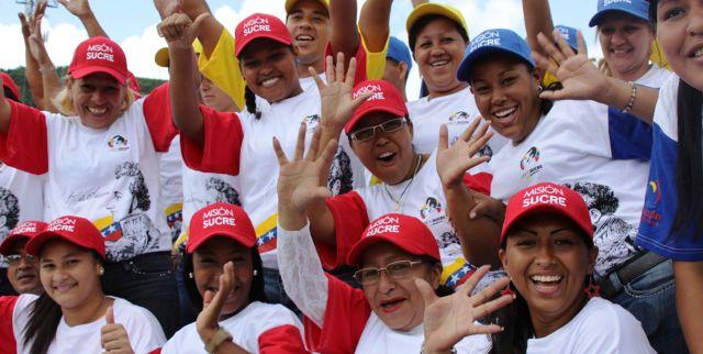 Más de 40.000 Becas Sucre serán otorgadas a estudiantes universitarios en el país