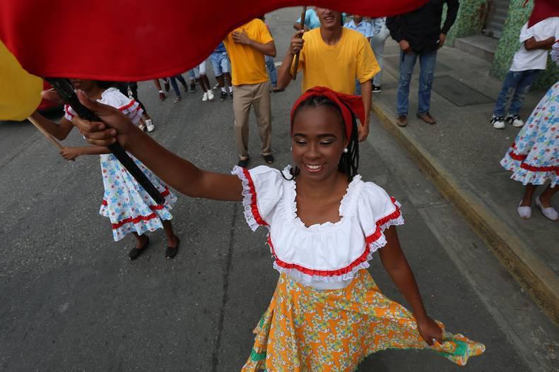 Expresiones culturales dicen presente en la Plaza Bolívar en defensa de la Revolución Bolivariana