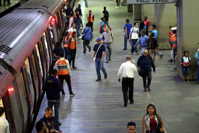 Metro de Caracas, Los Teques, Valencia, Maracaibo y ferrocarril se reactivan este jueves